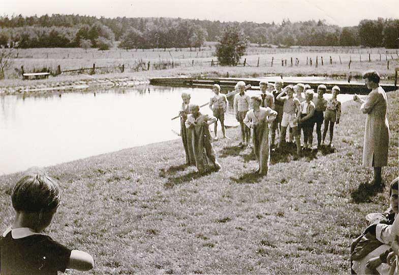 Sackhüpfen Ende der 1950er - Foto: DieterSchlaphof