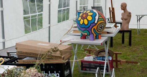 Kunstzelt im Aufbau - KUNST-stückchen 2015