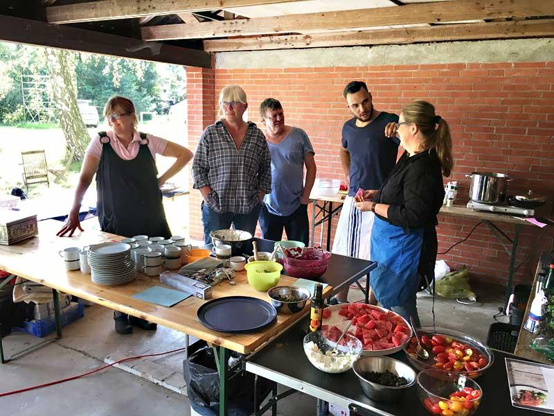 """KUNST""-Küche - Barbara, Bianca, Michael, Angela & Nico"