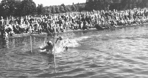 Wasserball, Garlstorfer Schwimmbad, Foto: Kathrin Schröder