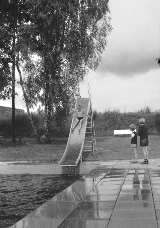 Rutsche im Garlstorfer Schwimmbad, Foto: Irmi Harms