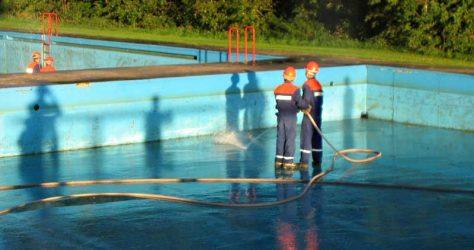 Schwimmbadreinigung - Garlstorf 09.2009